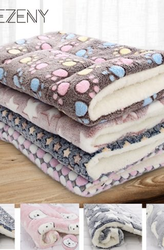Qsezeny Soft Fleece Pet Blanket Mat