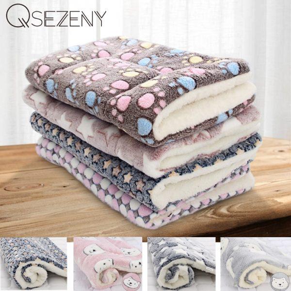 Qsezeny Soft Fleece Pet Blanket Mat